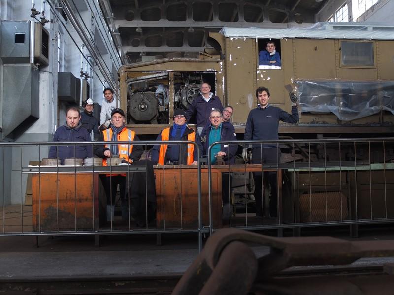 Squadra all'opera: carrozza 32153 e locomotore E.626.225