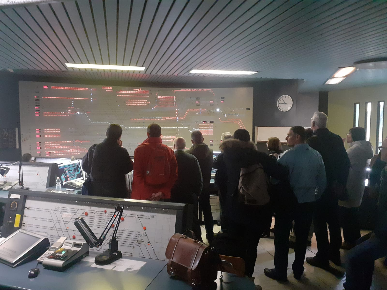 14 Novembre 2019 visita soci ARSMS sala controllo cabina ACEI di Milano C.Le